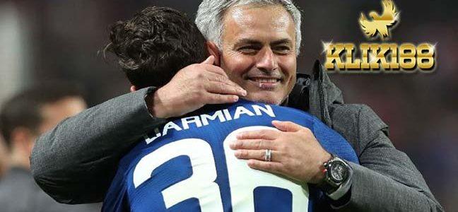 Matteo Darmian Mengaku Masih Bahagia Di Old Trafford